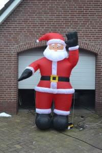 Kerstman is te huur bij Carpe Diem Events & Verhuur uit Limburg.