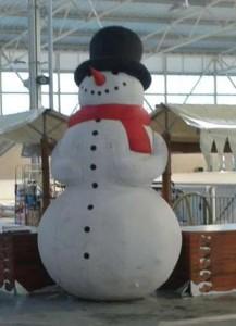 Sneeuwpop Opblaasbaar is te huur bij Carpe Diem Events & Verhuur uit Limburg.