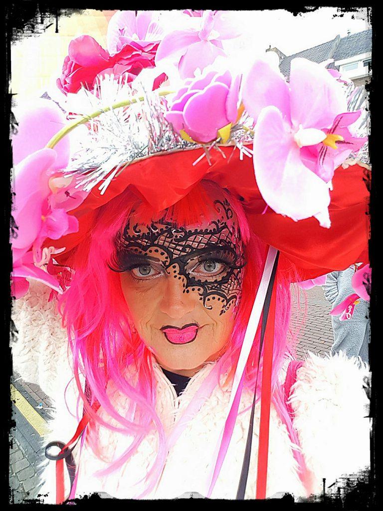 Schmink Workshop Glamour Carnaval te volgen bij Carpe Diem Festum uit Susteren Limburg