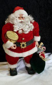 kerstman pop rood is te huur bij Carpe Diem Events & Verhuur uit Sittard, Limburg.