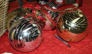 XXL Kerstballen is te huur bij Carpe Diem Events & Verhuur uit Sittard, Limburg.